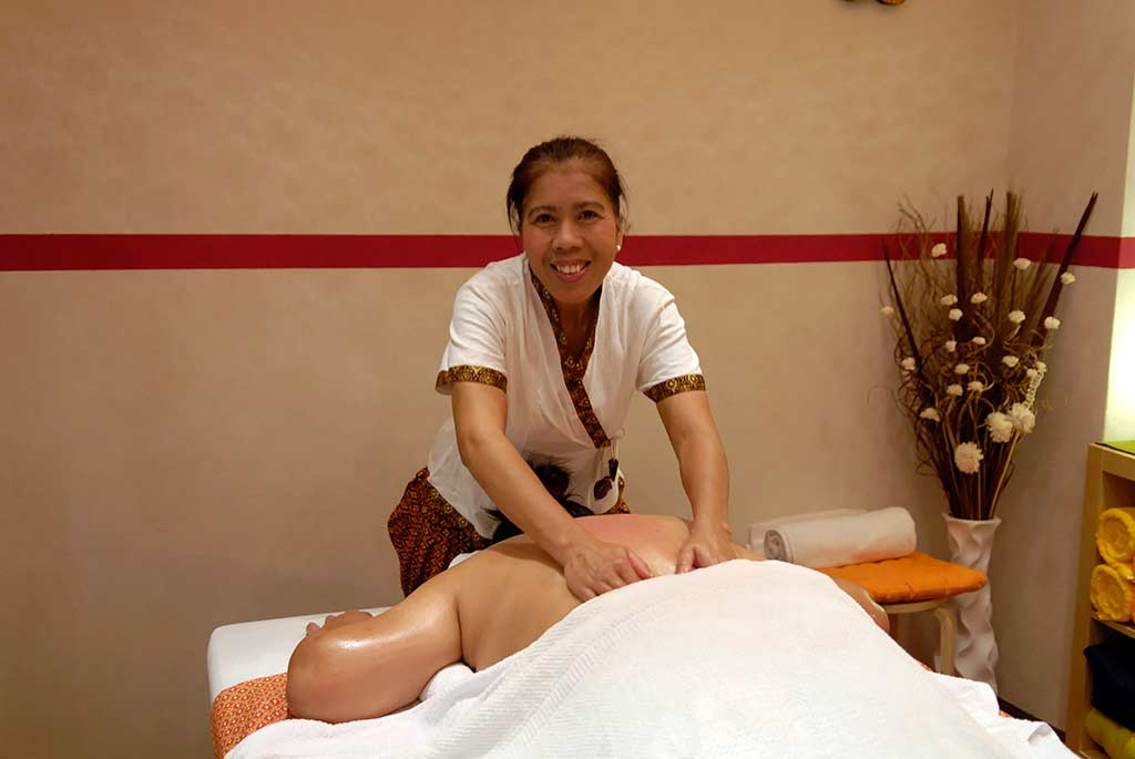 thai Gratisporfilmer massage kinaree